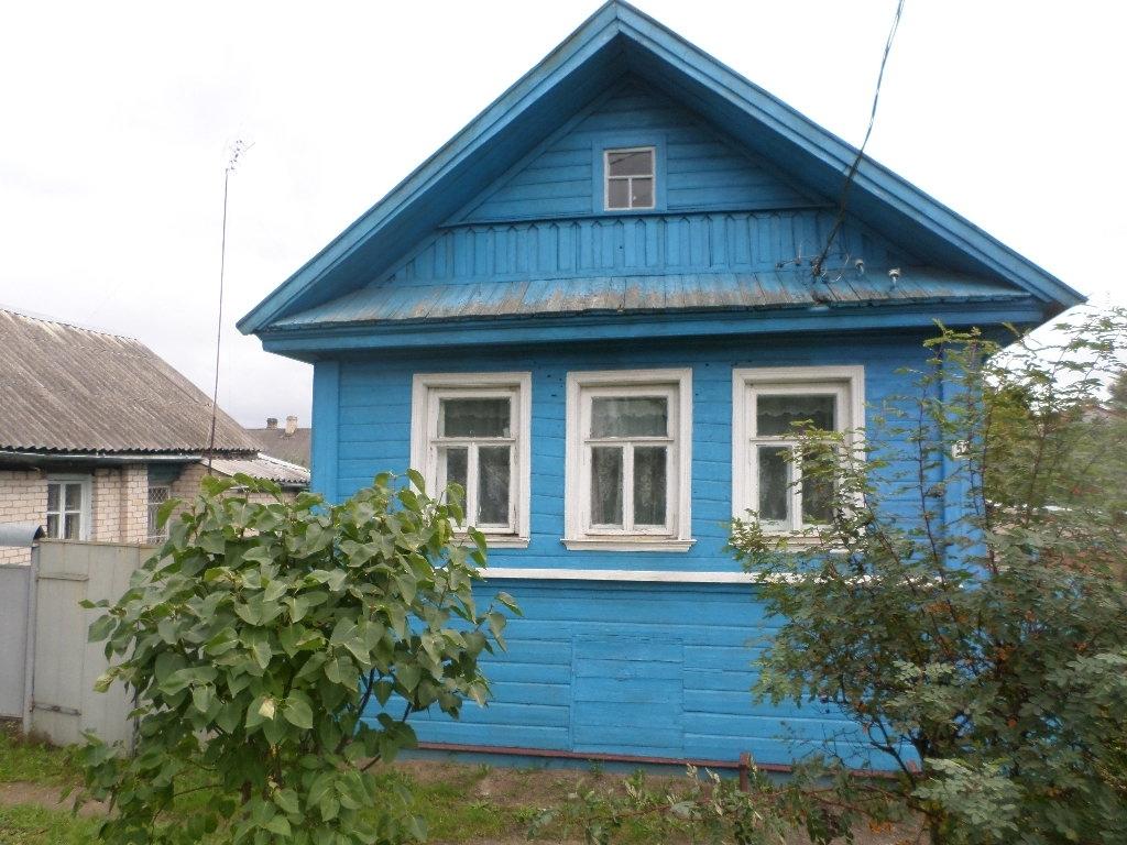 4467 двухэтажный жилой дом в отличном состоянии, погреб, баня, матерские, гараж, сад,...